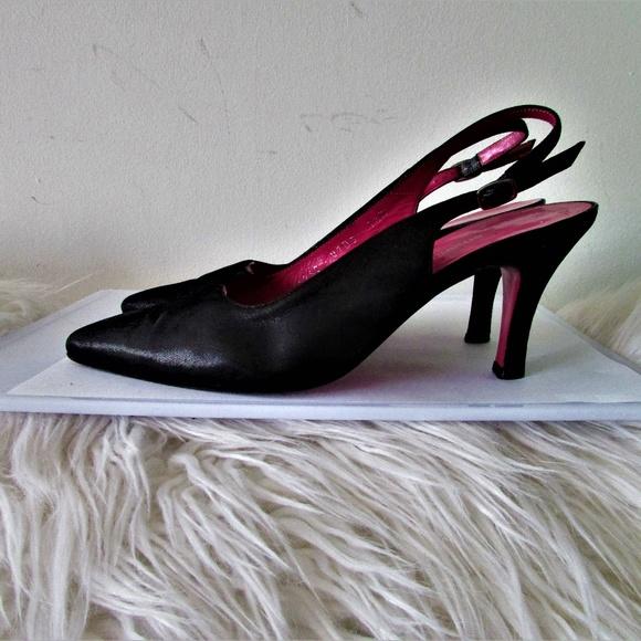 Emanuel Ungaro Shoes - Emanuel Ungaro black leather slingbacks 7.5